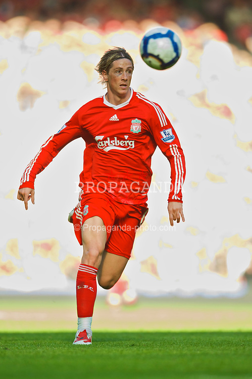 LIVERPOOL, ENGLAND - Saturday, September 12, 2009: Liverpool's Fernando Torres in action against Burnley during the Premiership match at Anfield. (Photo by David Rawcliffe/Propaganda)