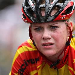 Eline van den Berg uit Rijssen werd 16e op het Nedelrands kampioenschap junior vrouwen in Dalen