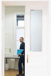 """14.06.2019, Bundesparteizentrale, Wien, AUT, FPÖ, Pressekonferenz mit dem Titel """"AUT, FPÖ, Neue Enthüllungen über ÖVP Netzwerke in der Justiz und im Innenministerium"""". im Bild geschäftsführender Klubobmann Herbert Kickl // FPOe party whip Herbert Kickl during an media briefing of the Austrian Freedom Party in Vienna, Austria on 2019/06/14. EXPA Pictures © 2019 PhotoCredit: EXPA/ Michael Gruber"""