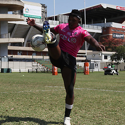 DURBAN, SOUTH AFRICA - SEPTEMBER 18: S'busiso Nkosi of the Cell C Sharks during the Cell C Sharks XV training session at Jonsson Kings Park on September 18, 2018 in Durban, South Africa. (Photo by Steve Haag/Gallo Images)