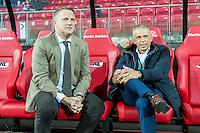 ALKMAAR - 15-10-2016, AZ - Vitesse, AFAS Stadion, AZ trainer John van den Brom, Vitesse assistent  trainer Edward Sturing.