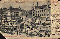 Zagreb, Jelačićev trg = Agram, Jelačić Platz. <br /> <br /> ImpresumZagreb : Svjetlotiskarski zavod R. Mosinger, [1902].<br /> Materijalni opis1 razglednica : tisak ; 8,8 x 13,8 cm.<br /> NakladnikSvjetlotiskarski zavod R. Mosinger<br /> Mjesto izdavanjaZagreb<br /> Vrstavizualna građa • razglednice<br /> ZbirkaZbirka razglednica • Grafička zbirka NSK<br /> Formatimage/jpeg<br /> PredmetZagreb –– Trg bana Josipa Jelačića<br /> SignaturaRZG-JEL-10<br /> Obuhvat(vremenski)20. stoljeće<br /> NapomenaPoleđina razglednice je namijenjena samo za adresu. • Razglednica je putovala 1902. godine.<br /> PravaJavno dobro<br /> Identifikatori000952406<br /> NBN.HRNBN: urn:nbn:hr:238:384122 <br /> <br /> Izvor: Digitalne zbirke Nacionalne i sveučilišne knjižnice u Zagrebu
