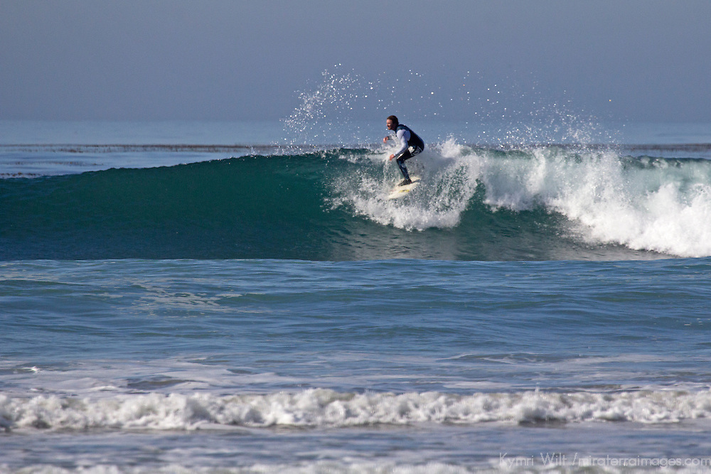 USA, California, San Diego. Surfer at Cardiff by the Sea.