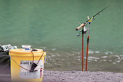 THEMENBILD - eine ausgeworfene Fischerangel steht am Uferrand eines See, aufgenommen am 10. Juni 2019, Kaprun, Österreich // a cast fishing rod stands on the edge of a lake on 2019/06/10, Kaprun, Austria. EXPA Pictures © 2019, PhotoCredit: EXPA/ Stefanie Oberhauser