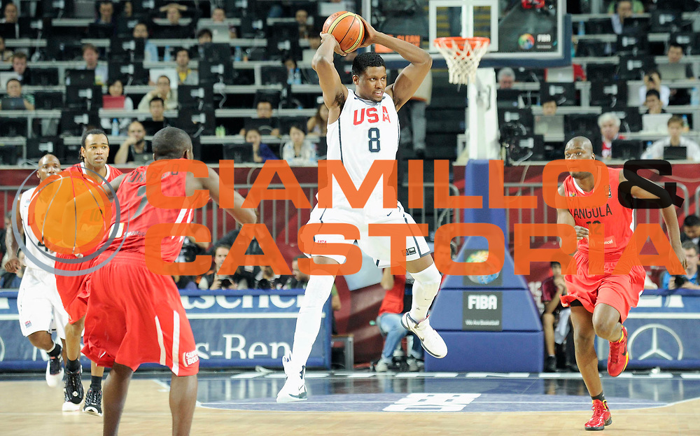 DESCRIZIONE : Istanbul Turchia Turkey Men World Championship 2010 Eight Finals Campionati Mondiali Ottavi di Finale USA Angola<br /> GIOCATORE : Rudy Gay<br /> SQUADRA : USA<br /> EVENTO : Istanbul Turchia Turkey Men World Championship 2010 Campionato Mondiale 2010<br /> GARA : USA Angola<br /> DATA : 06/09/2010<br /> CATEGORIA : palleggio<br /> SPORT : Pallacanestro <br /> AUTORE : Agenzia Ciamillo-Castoria/JF.Molliere<br /> Galleria : Turkey World Championship 2010<br /> Fotonotizia : IstanbulT urchia Turkey Men World Championship 2010 Eight Finals Campionati Mondiali Ottavi di Finale USA Angola<br /> Predefinita :