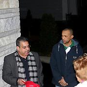 """Asdrover Tejeda, presidente de Somos Patria- movimiento patriotico- en Lawrence, Massachusetts,se dirije a varias personas en un improvisado tributo postumo a Freddy Beras Goico. <br /> <br /> El grupo coloco un velon y un un carter al frente de Casa Dominicana- Lawerence.<br /> <br /> El carter dice """"Gracias Freddy"""" en letras negras y muestra varias fotos del artista. Debajo y mas peque?o se leen las iniciales """"SP"""".<br /> <br /> Freddy Beras Goico- fallecio de cancer recientemente y cientos de personas lamentan su partida.<br /> <br /> A la derecha de Asdrovel esta Jorge Tapia"""