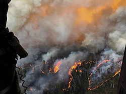 December 21, 2019, Blue Mountains National Park, New South Wales, Australia - The Grose Valley fire in the Blue Mountains area of Lithgow and Blackheath, New South Wales. (Credit Image: © Brett Kennedy/Royal Australian Navy via ZUMA Wire)