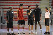 DESCRIZIONE : Roma Lega Basket A 2012-13  Allenamento Virtus Roma<br /> GIOCATORE : Marco Calvani<br /> CATEGORIA : curiosita mani<br /> SQUADRA : Virtus Roma <br /> EVENTO : Campionato Lega A 2012-2013 <br /> GARA :  Allenamento Virtus Roma<br /> DATA : 28/08/2012<br /> SPORT : Pallacanestro  <br /> AUTORE : Agenzia Ciamillo-Castoria/GiulioCiamillo<br /> Galleria : Lega Basket A 2012-2013  <br /> Fotonotizia : Roma Lega Basket A 2012-13  Allenamento Virtus Roma<br /> Predefinita :