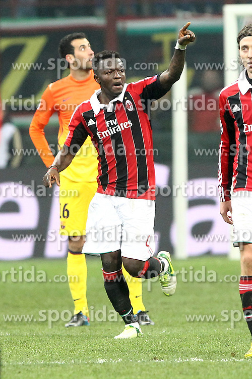 20.02.2013, Stadio Giuseppe Meazza, Mailand, ITA, UEFA Champions League, AC Mailand vs FC Barcelona, Achtelfinale Hinspiel, im Bild Esultanza di Sulley Muntari Milan dopo il gol, goal celebration // during the UEFA Champions League last sixteen first leg match between AC Milan and Barcelona FC at the Giuseppe Meazza Stadium, Milan, Italy on 2013/02/20. EXPA Pictures © 2013, PhotoCredit: EXPA/ Insidefoto/ Paolo Nucci..***** ATTENTION - for AUT, SLO, CRO, SRB, BIH and SWE only *****