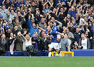 Steven Naismith of Everton celebrates with Aaron Lennon after scoring his hat-trick against Chelsea during the Barclays Premier League match at Goodison Park, Liverpool.<br /> Picture by Michael Sedgwick/Focus Images Ltd +44 7900 363072<br /> 12/09/2015