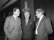 07/11/1982<br /> 11/07/1982<br /> 07 November 1982<br /> Fitzwilton Limited, Annual General Meeting at the Berkeley Court Hotel, Dublin. Picture shows (l-r): Dr. A.J.F. (Tony) O'Reilly, Chairman chatting with The Lord Killanin, Director and Vincent A. Ferguson, Director at the meeting.