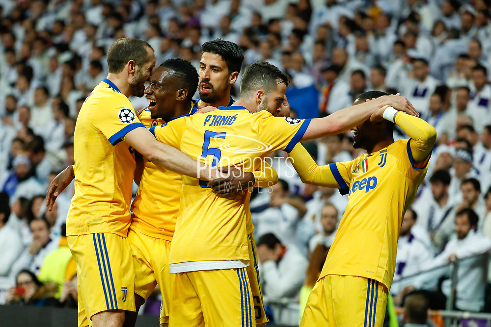 Blaise Matuidi of Juventus celebrates after his goal with teammates during the UEFA Champions League, quarter final, 2nd leg football match between Real Madrid CF and Juventus FC on April 11, 2018 at Santiago Bernabeu stadium in Madrid, Spain - Photo Oscar J Barroso / Spain ProSportsImages / DPPI / ProSportsImages / DPPI