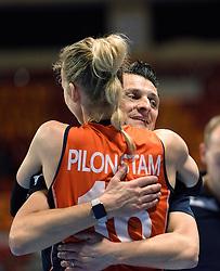 07-01-2016 TUR: European Olympic Qualification Tournament Nederland - Kroatie, Ankara<br /> Nederland verslaat Kroatië met 3-0 en gaat als groepswinnaar de halve finale in / Coach Giovanni Guidetti bedankte al zijn spelers 1 voor 1, Debby Stam-Pilon #16