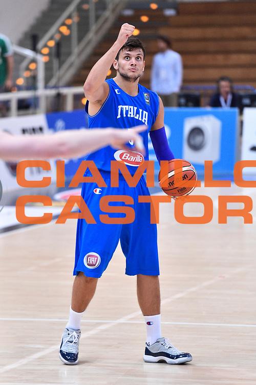 DESCRIZIONE : Trento Nazionale Italia Uomini Trentino Basket Cup Italia Austria Italy Austria <br /> GIOCATORE : Alessandro Gentile<br /> CATEGORIA : Schema  Mani <br /> SQUADRA : Italia Italy<br /> EVENTO : Trentino Basket Cup<br /> GARA : Italia Austria Italy Austria<br /> DATA : 31/07/2015<br /> SPORT : Pallacanestro<br /> AUTORE : Agenzia Ciamillo-Castoria/GiulioCiamillo<br /> Galleria : FIP Nazionali 2015<br /> Fotonotizia : Trento Nazionale Italia Uomini Trentino Basket Cup Italia Austria Italy Austria