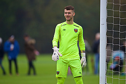 LONDON, ENGLAND - Saturday, November 4, 2017: West Ham United's goalkeeper Bobbie Biddle during the Under-18 Premier League Cup Group D match between West Ham United FC and Liverpool FC at Little Heath. (Pic by David Rawcliffe/Propaganda)
