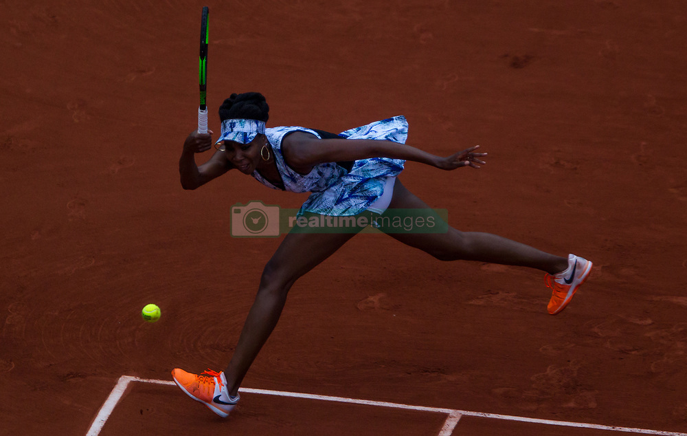 June 2, 2017 - Paris, France - Venus Williams of United States returns the ball to Elise Mertens of Belgium during the third round at Roland Garros Grand Slam Tournament - Day 6 on June 2, 2017 in Paris, France. (Credit Image: © Robert Szaniszlo/NurPhoto via ZUMA Press)