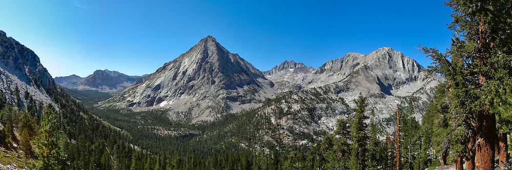 View from the John Muir Trail looking south to East Vidette and Vidette Meadow, Kings Canyon National Park