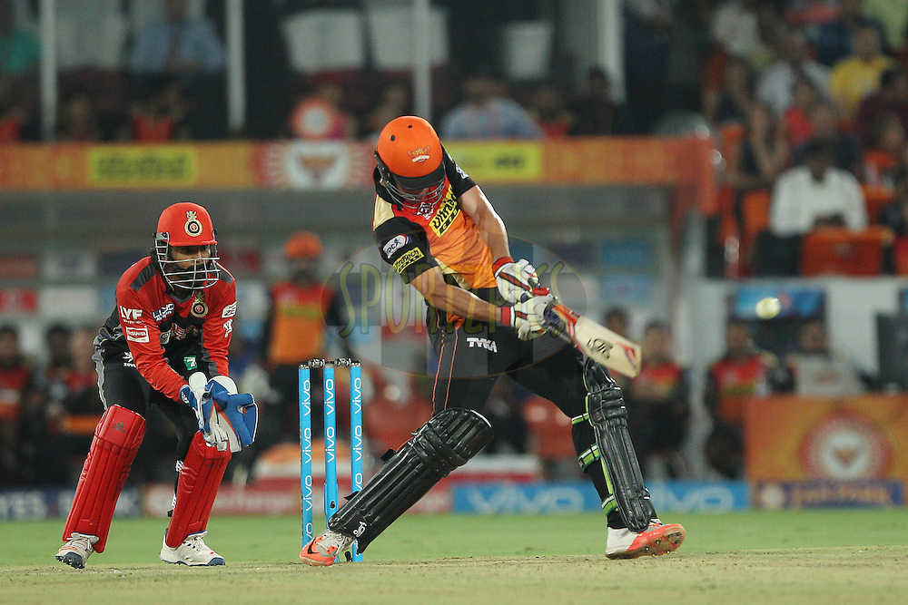 Moises Henriques of Sunrisers Hyderabad during match 27 of the Vivo IPL 2016 (Indian Premier League ) between the Sunrisers Hyderabad and the Royal Challengers Bangalore held at the Rajiv Gandhi Intl. Cricket Stadium, Hyderabad on the 30th April 2016<br /> <br /> Photo by Ron Gaunt / IPL/ SPORTZPICS