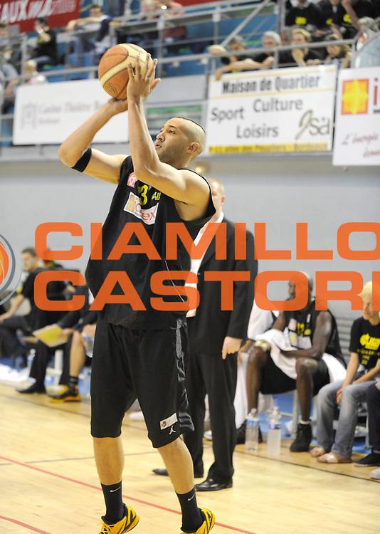 DESCRIZIONE : Championnat de France Basket Nationale1 a Bordeaux<br /> GIOCATORE : Diaw Martin<br /> SQUADRA : Bordeaux <br /> EVENTO : Nationale 1 2010-2011<br /> GARA : Bordeaux Le Puy<br /> DATA : 07/05/2011<br /> CATEGORIA : Basketbal France Nationale 1<br /> SPORT : Basketball<br /> AUTORE : JF Molliere par Agenzia Ciamillo-Castoria <br /> Galleria : France Basket 2010-2011 Action<br /> Fotonotizia : Championnat de France Basket Nationale 1 a Bordeaux<br /> Predefinita :