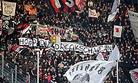 Fotball<br /> Tyskland<br /> Foto: Witters/Digitalsport<br /> NORWAY ONLY<br /> <br /> 12.12.2009<br /> <br /> Fans Frankfurt mit Transparent gegen Club-Sponsor Dietmar Hopp Hoffenheim 'Hopp du Dreckschwein'<br /> Bundesliga TSG 1899 Hoffenheim - Eintracht Frankfurt