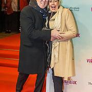 NLD/Amsterdam/20180122 - Filmpremiere Het leven is vurrukkulluk, Robert Kranenborg en partner Marjan