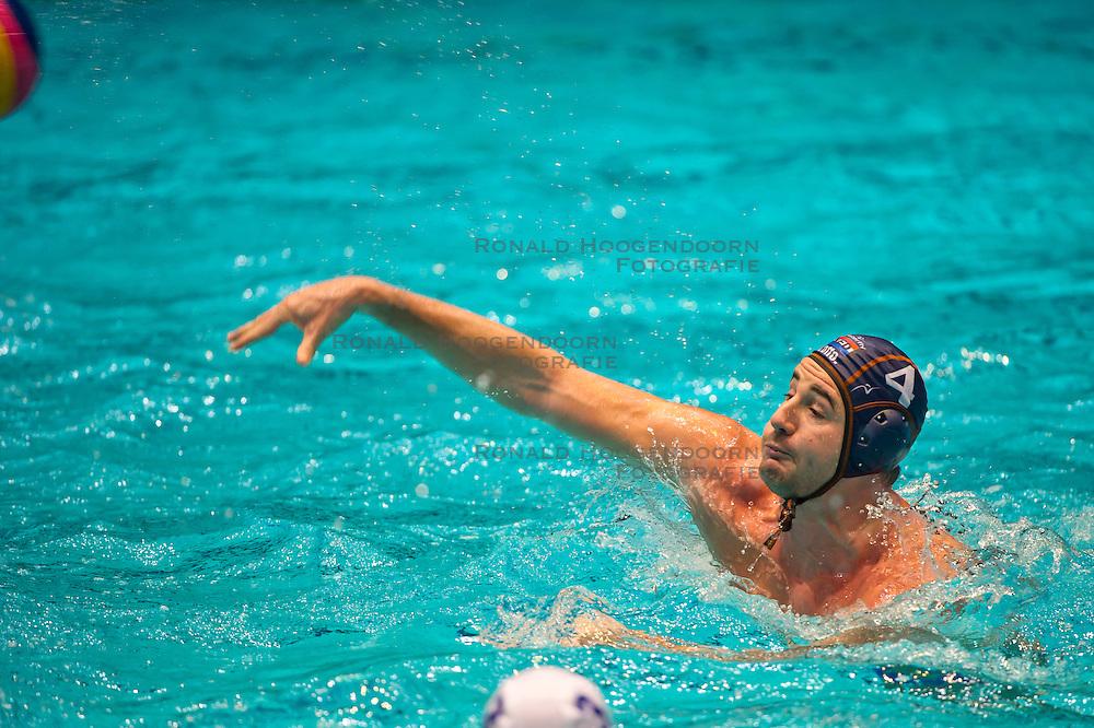 23-01-2012 WATERPOLO: EC NETHERLANDS - MACEDONIA: EINDHOVEN<br /> European Championships Netherlands - Macedonia / Willem Wouter Gerritse<br /> (c)2012-FotoHoogendoorn.nl / Peter Schalk