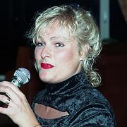 NLD/Amsterdam/19940422 - Feestje verjaardag Paul Wilking op Schiphol, Judith Bos