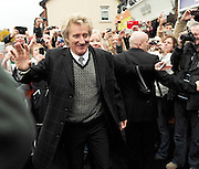 17.NOVEMBER. ESSEX<br /> <br /> ROD STEWART AT HIS BOOK SIGNING AT THE EPPING BOOKSHOP. <br /> <br /> BYLINE: EDBIMAGEARCHIVE.COM<br /> <br /> *THIS IMAGE IS STRICTLY FOR UK NEWSPAPERS AND MAGAZINES ONLY*<br /> *FOR WORLD WIDE SALES AND WEB USE PLEASE CONTACT EDBIMAGEARCHIVE - 0208 954 5968*