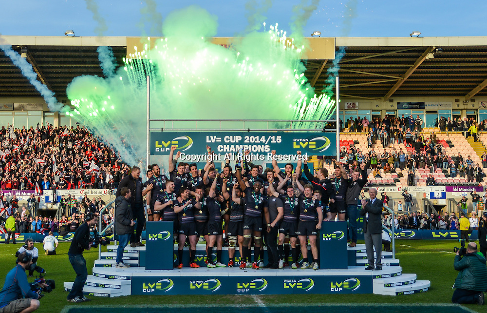 22.03.2015.  Northampton, England. LV Cup Final. Saracens versus Exeter Chiefs. Saracens celebrate with the LV Cup Trophy.