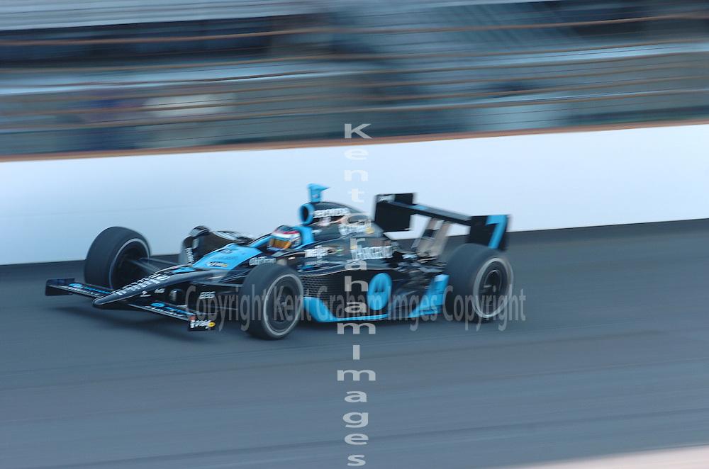Danica Patrick qualifies for Indianapolis 500.
