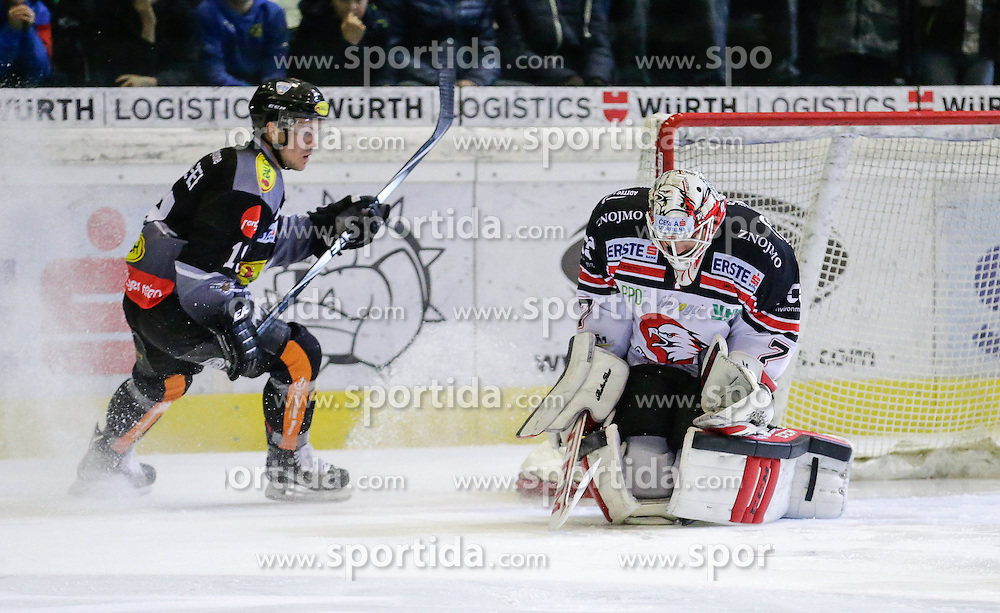 28.02.2016, Messestadion, Dornbirn, AUT, EBEL, Dornbirner Eishockey Club vs HC Orli Znojmo, Viertelfinale, 2. Spiel, im Bild Dustin Sylvester, (Dornbirner Eishockey Club, #19) und Patrik Nechvatal, (HC Orli Znojmo, #07)// during the Erste Bank Icehockey League 2nd quarterfinal match between Dornbirner Eishockey Club and HC Orli Znojmo at the Messestadion in Dornbirn, Austria on 2016/02/28, EXPA Pictures © 2016, PhotoCredit: EXPA/ Peter Rinderer