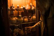 Gast&oacute;n Soublette Asmussen (Antofagasta, 1927) es un fil&oacute;sofo, music&oacute;logo y esteta chileno. Ha contribuido al rescate de la cultura chilena de diversas formas, desde haber pasado a partitura muchas obras de Violeta Parra, una de sus m&aacute;s importantes maestras como &eacute;l mismo ha confesado, hasta haber escrito una de las obras m&aacute;s importantes sobre los s&iacute;mbolos patrios de su pa&iacute;s en su libro La Estrella de Chile. <br /> Sobre la cultura tradicional chilena, Soublette trabaj&oacute; con los folcloristas Margot Loyola, H&eacute;ctor Pavez y Gabriela Pizarro, adem&aacute;s de Violeta Parra. Limache, Chile. 28-03-2014 (&copy;Alvaro de la Fuente/Triple.cl)