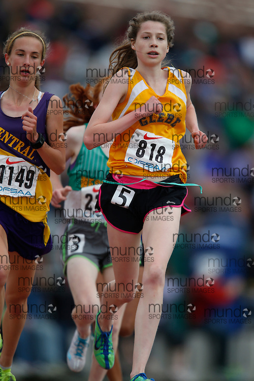 Claire Smith of Glebe CI - Ottawa competes in the junior girls 3000m at the 2013 OFSAA Track and Field Championship in Oshawa Ontario, Saturday,  June 8, 2013.<br /> Mundo Sport Images/ Geoff Robins