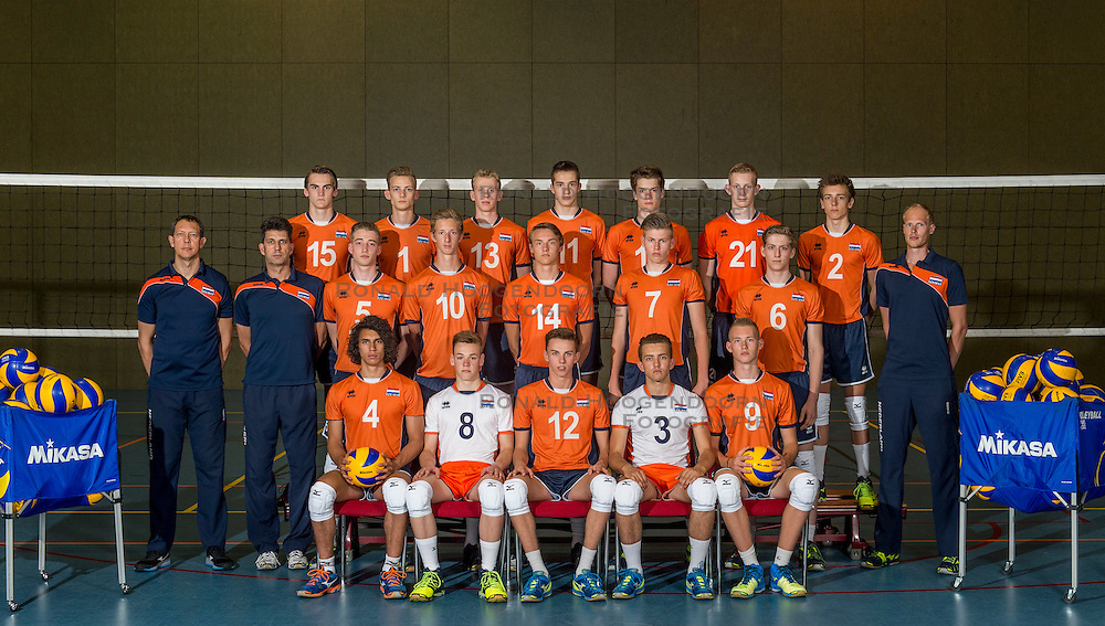 07-06-2016 NED: Jeugd Oranje jongens &lt;1999, Arnhem<br /> Photoshoot met de jongens uit jeugd Oranje die na 1 januari 1999 geboren zijn / Teamfoto selectie 2016