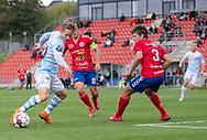 Jeppe Kjær (FC Helsingør) prøver at komme på skudhold under kampen i 2. Division mellem Slagelse B&I og FC Helsingør den 6. oktober 2019 på Slagelse Stadion (Foto: Claus Birch).
