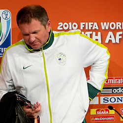 20100617: World Cup South Africa 2010, Matjaz Kek of Slovenia at press conference