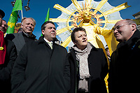 """2012, BERLIN/GERMANY:<br /> Juergen Trittin, B90/Gruene Fraktionsvorsitzender, Sigmar Gabriel, SPD Parteivorsitzender, Renate Kuenast, B90/Gruene Fraktionsvorsitzende, und Gregor Gysi, Die Linke Fraktionsvorsitzender, (v.L.n.R.), Kundgebung gegen das Solarausstiegsgesetz und gegen das Scheitern der Energiewende unter dem Motto: """"Stoppt den Solar-Ausstieg"""", vor dem Brandenburger Tor<br /> IMAGE: 20120305-01-020<br /> KEYWORDS: Sonnenenergie, Demo, Demostration, Demonstrant, Demonstraten, Jürgen Trittin, Renate Künastn, Solarwirtschaft, Subventionen"""
