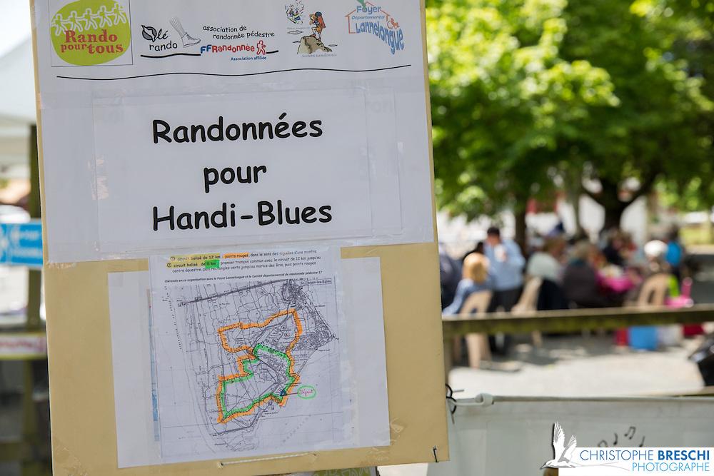 Tournage du documentaire de ricochets 17 sur l'associaton Handi blues avec Valérie Montoriol / une journée de randonnée dans l'île d'Oléron