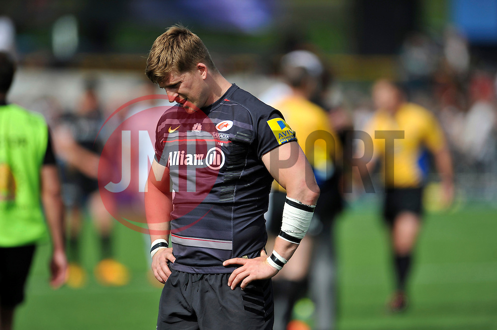 David Strettle of Saracens looks dejected after the match - Photo mandatory by-line: Patrick Khachfe/JMP - Mobile: 07966 386802 10/05/2015 - SPORT - RUGBY UNION - London - Allianz Park - Saracens v Exeter Chiefs - Aviva Premiership