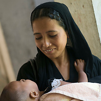 World Bank Photo Dive 2013- Photos <br /> <br /> <br /> Health Complex, Bhoirob<br /> <br /> Mother and Child at UHC