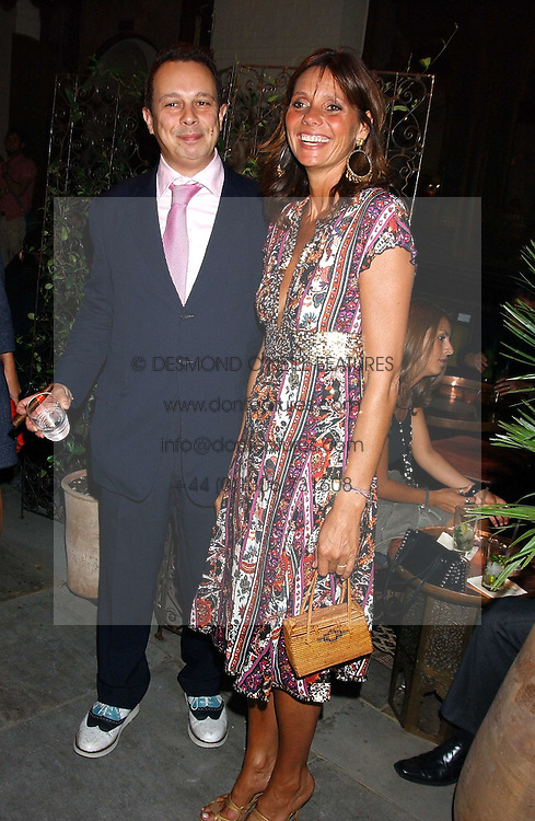 DETMAR BLOW and COUNTESS DEBONAIRE VON BISMARCK at the launch of 'Blow Lips' a new lipstick by Isabella Blow and MAC Makeup held at the the Blow de la Barra Gallery, 35 Heddon Street, London on 7th September 2005.<br />