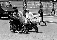 Roma  1985.Incontri stradali tra motociclisti.Meeting between road bikers