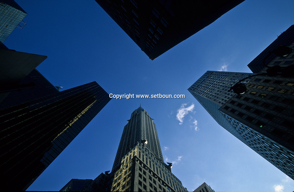 New York. The Chrysler building on 42nd street New York  Usa   /  le Chrysler building sur la 42 em rue   New York
