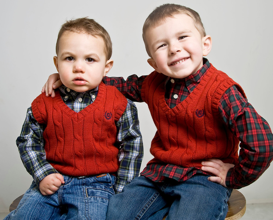 WATERBURY, CT - 20 DECEMBER 2009 -122109JT03--.Mason Pettinicchi, 20 months, of Wolcott, with his brother Cole Pettinicchi, 3, who wants a tricycle and Transformers for Christmas..Josalee Thrift Republican-American