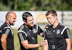 01.07.2016, Athletic Area, Schladming, AUT, U19 EURO, Vorbereitung Deutschland, DFB U19 Junioren, im Bild von links Co-Trainer Antonio di Salvo, Fitnesscoach Christian Schwend, Cheftrainer Guido Streichsbier // during a training camp of Team Germany for preparation for the UEFA European Under-19 Championship at the Athletic Area, Austria on 2016/07/01. EXPA Pictures © 2016, PhotoCredit: EXPA/ Martin Huber