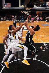 November 18, 2017 - New York, NY, USA - 171117 Utahs Donovan Mitchell utmanas av Brooklyn Allen Crabbe under basketmatchen i NBA mellan Brooklyn Nets och Utah Jazz den 17 november 2017 i New York  (Credit Image: © Joel Marklund/Bildbyran via ZUMA Wire)
