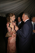 TRINNY WOODALL AND Baron thierry van Zuylen, Cartier dinner in the Chelsea Physic Garden. 22 May 2006. ONE TIME USE ONLY - DO NOT ARCHIVE  © Copyright Photograph by Dafydd Jones 66 Stockwell Park Rd. London SW9 0DA Tel 020 7733 0108 www.dafjones.com