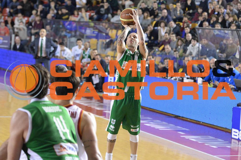 DESCRIZIONE : Campionato 2013/14 Acea Virtus Roma - Sidigas Avellino<br /> GIOCATORE : Valerio Spinelli<br /> CATEGORIA : Tiro Tre Punti<br /> SQUADRA : Sidigas Scandone Avellino<br /> EVENTO : LegaBasket Serie A Beko 2013/2014<br /> GARA : Acea Virtus Roma - Sidigas Avellino<br /> DATA : 02/02/2014<br /> SPORT : Pallacanestro <br /> AUTORE : Agenzia Ciamillo-Castoria / GiulioCiamillo<br /> Galleria : LegaBasket Serie A Beko 2013/2014<br /> Fotonotizia : Campionato 2013/14 Acea Virtus Roma - Sidigas Avellino<br /> Predefinita :