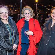 NLD/Amsterdam/20161222 - Première 32ste Wereldkerstcircus, Martha Roling en vriendinnen ............