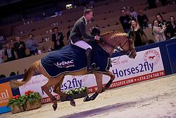 Vrieling Jur, NED, Arezzo VDL<br /> Springen Grote Prijs<br /> KWPN Hengstenkeuring 2017<br /> © Dirk Caremans<br /> 02/02/17